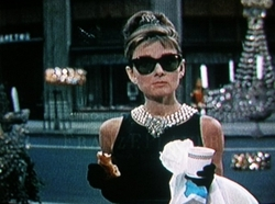 Ray_bans_breakfast_at_tiffanys_3